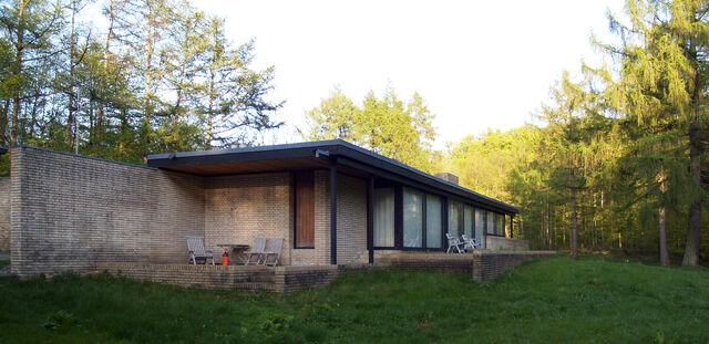 File:Jørn utzon, architect's own house, hellebæk, 1950-1952-1529.jpg