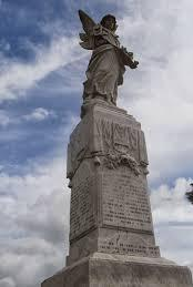 File:1918 War Monument.jpg