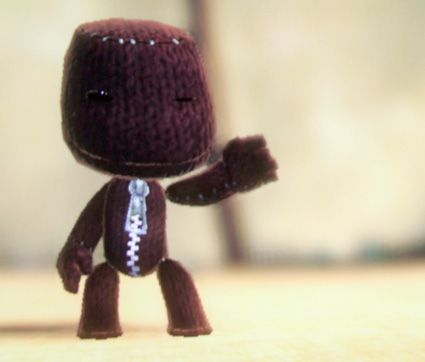 File:Little-big-planet-purple-sack-boy.jpg