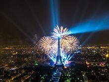 File:2013 Fireworks on Eiffel Tower 11.jpg