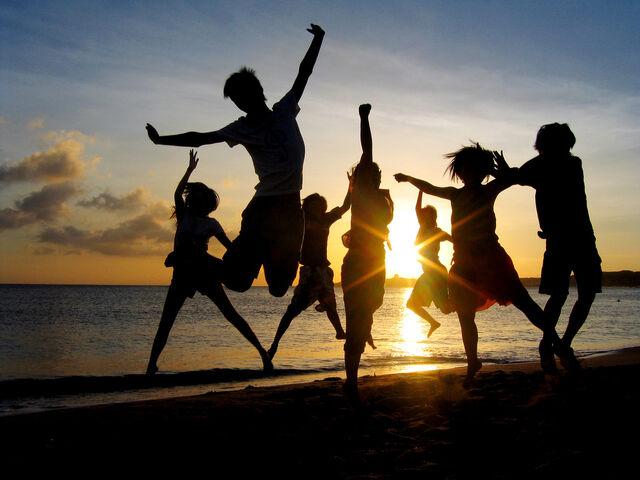 File:Kids-dancing-793238.jpg