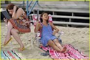 Selena-gomez-zelzar-beach-day-13