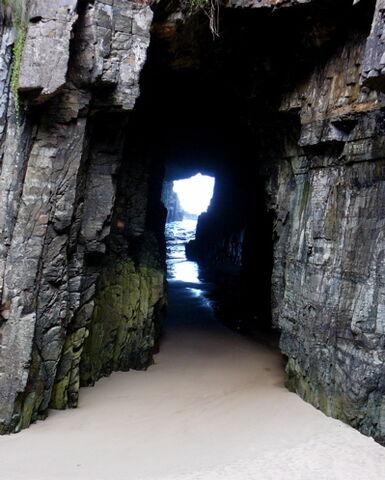 File:Sally Dennis cave 2.jpg