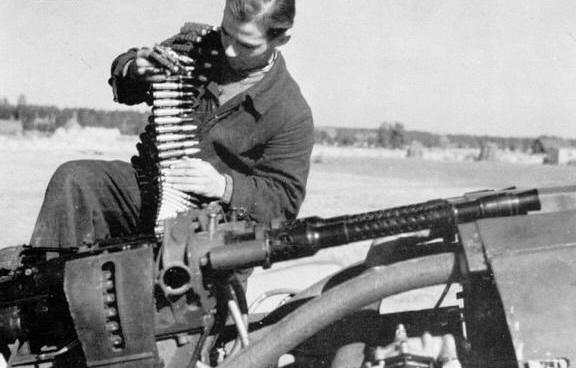 File:MG-131 HMG Luftwaffere.jpg