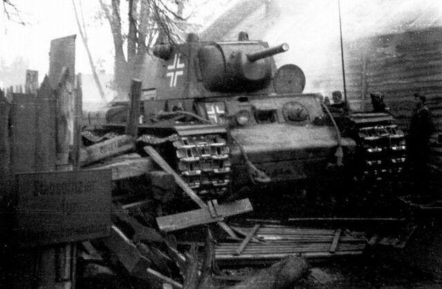 File:Beutepanzer KV-1, 12 Pzr.jpg