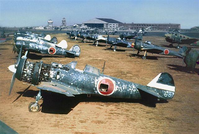 File:Ki-43s and Ki-84s.jpg