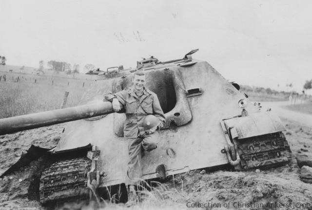 File:Destroyed Jagdpanther, Germany 1945.jpg