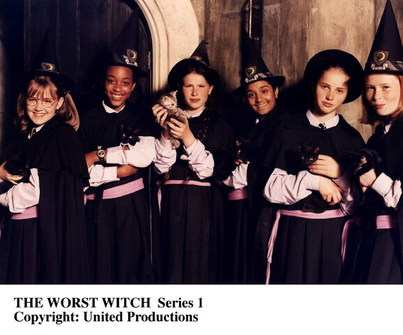 File:Witch girls.jpg