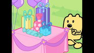 187 Wubbzy Walks to Presents
