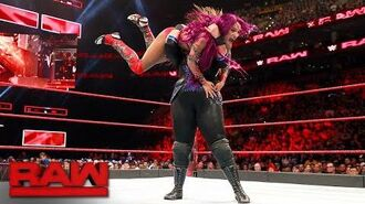 Sasha Banks vs. Nia Jax - Winner Challenges for Raw Women's Title at SummerSlam- Raw, Aug. 14, 2017