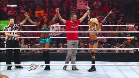 Raw - Kelly Kelly & Alicia Fox vs