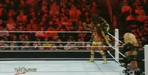 File:LayCool vs Eve and Natayla.jpg
