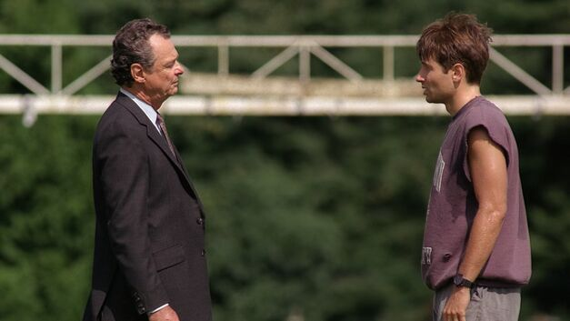 File:Deep Throat and Fox Mulder meet on a sports track.jpg