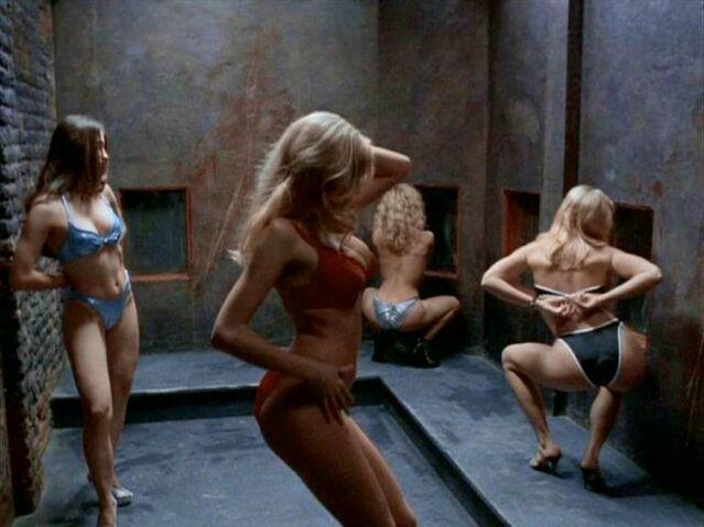 File:Ruby Tip dancers' main room.jpg