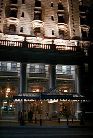 File:Hotel George Mason.jpg