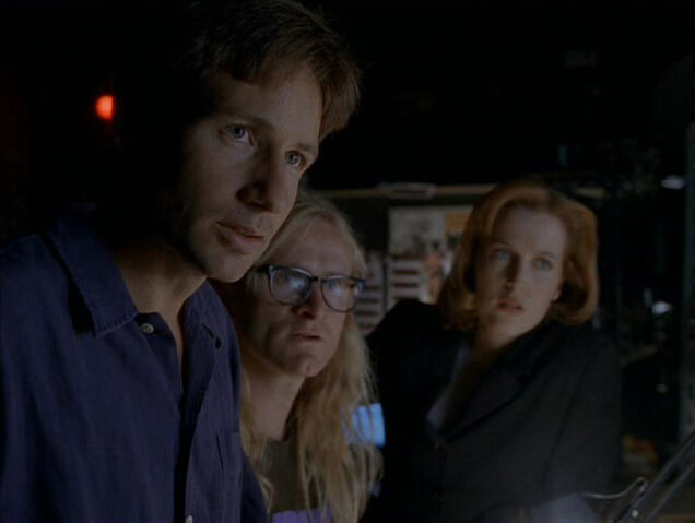 File:Mulder Langly Scully Paper Clip.jpg