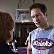 Mulder wearing Knicks shirt