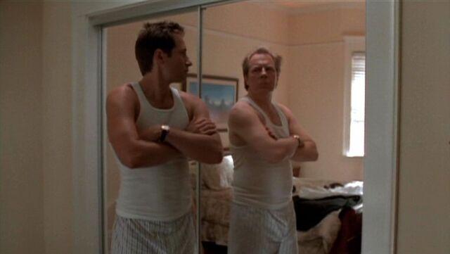 File:Fox Mulder sees his Morris Fletcher appearance.jpg