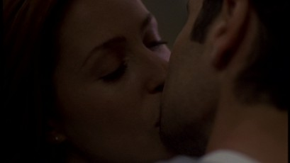 File:Scully&MulderFirstRealKiss.jpg