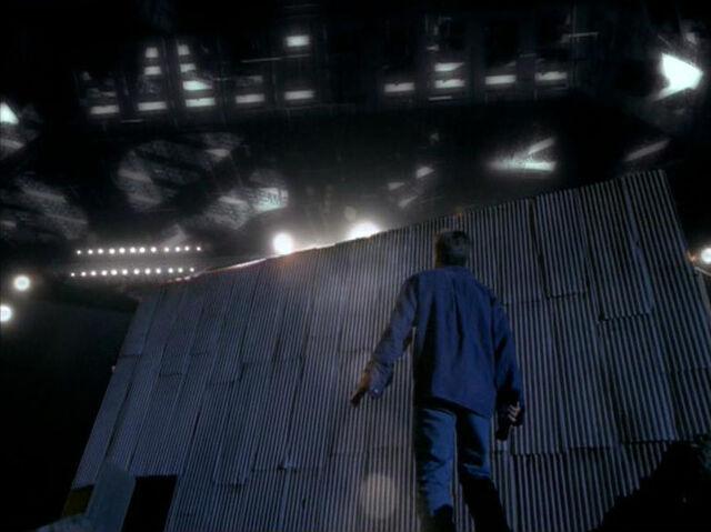 File:Mulder Alien Ship Strughold Mine Paper Clip.jpg