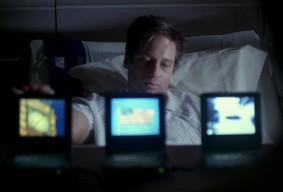 File:Mulder&ThreeScreens.jpg