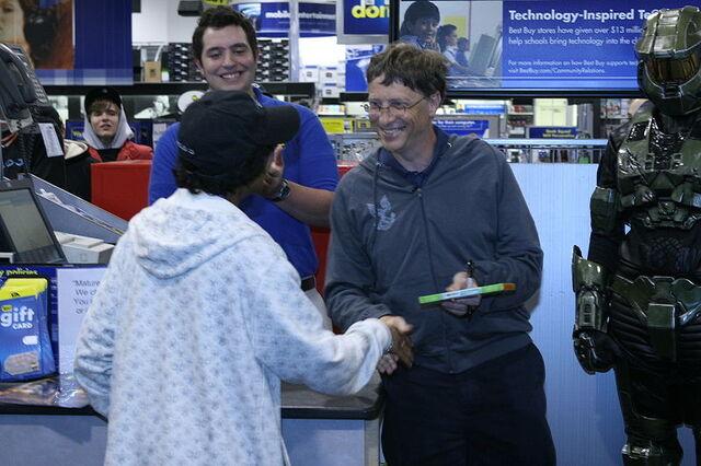 File:Bill Gates Halo 3 launch.jpg