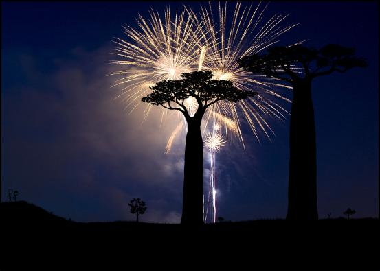 100000 posts fireworks