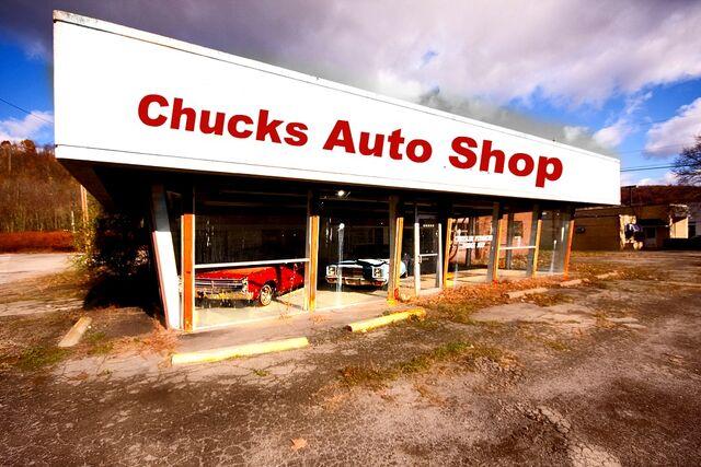 File:Chucks auto shop pic1.jpg