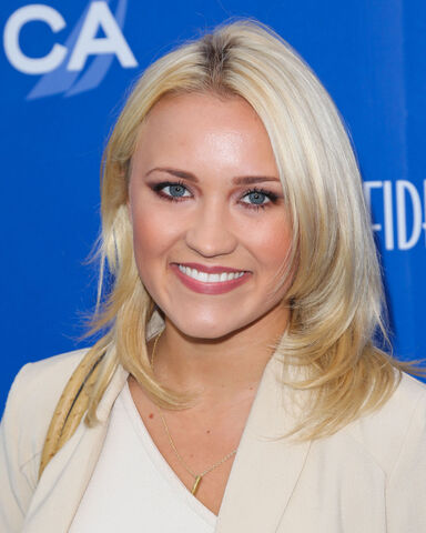 File:EMILY-OSMENT-at-the-2013-Nautica-Oceana-Beach-House-Event-in-Santa-Monica-2.jpg