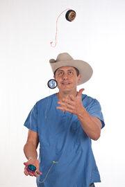 Yo-yo juggling