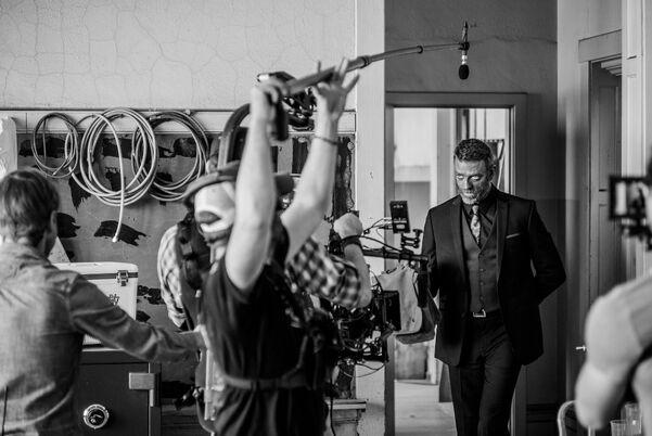 304 behind the scenes