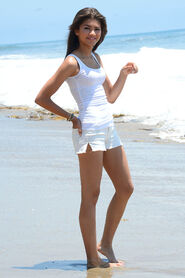 Zendaya-Coleman-Photoshoot-on-the-Beach-7
