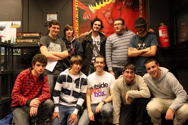 Archivo:Equipo Miembros Wikihammer Madrid & Barcelona.jpg