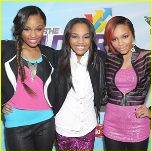 File:Mcclain-sisters-egg-roll-performers.jpg