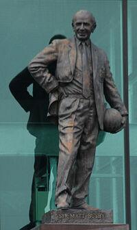 Sir Matt Busby Statue.jpg