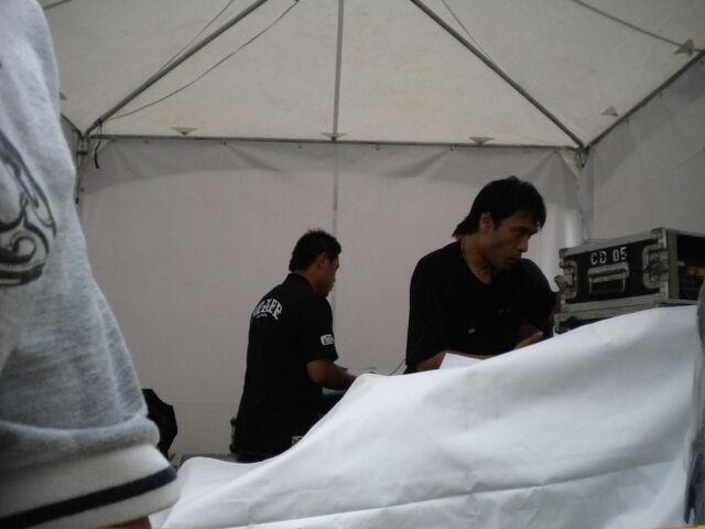 檔案:To Hebe 簽唱會音控室3.JPG