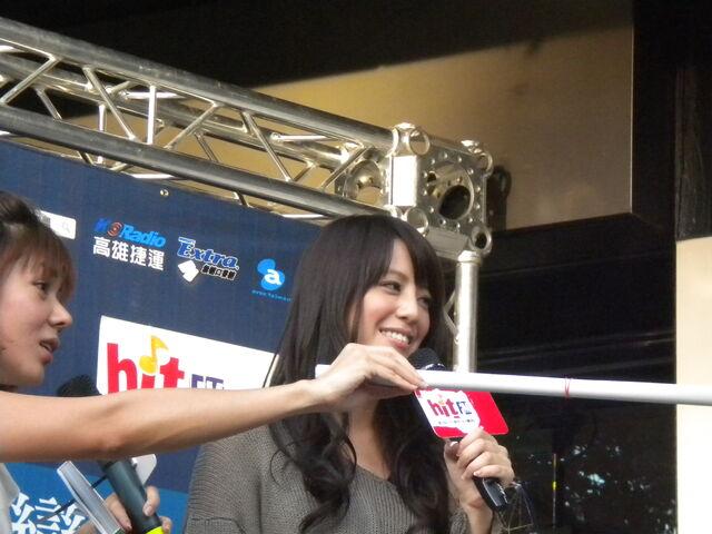 檔案:江語晨&cherry81.JPG