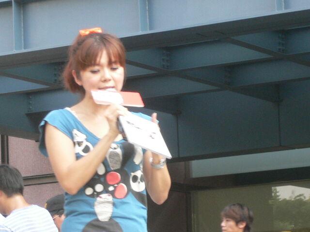檔案:Cherry主持Myself2010概念專輯7.JPG