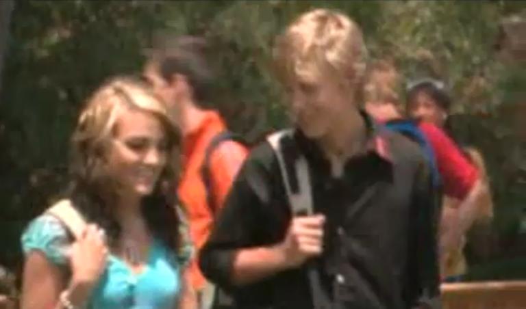 Zoey 101 volledige afleveringen Quinn en Logan dating Brisbane matchmaking