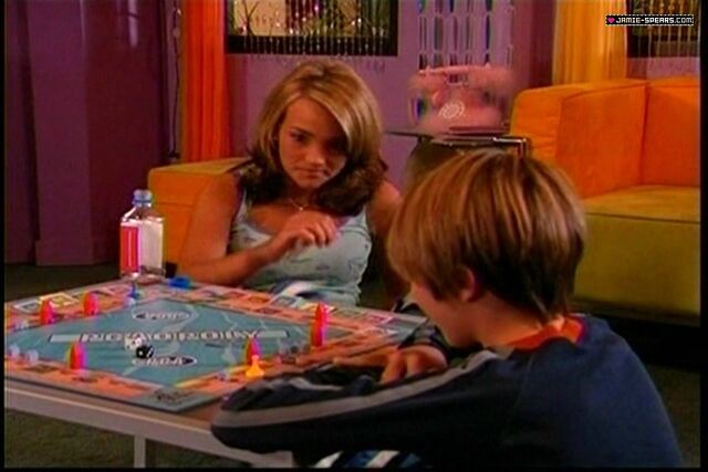 File:Zoey and Dustin 3.jpg