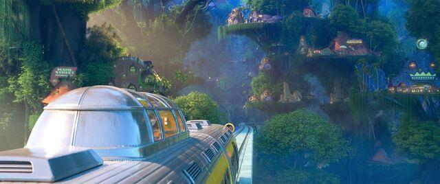 File:Train Rainforest District.jpg