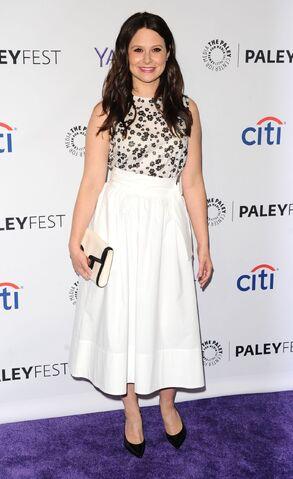 File:Katie-lowes-paleyfest-in-hollywood 2.jpg