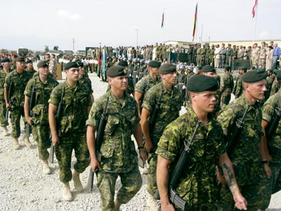 File:Soldiers on Parade.jpg